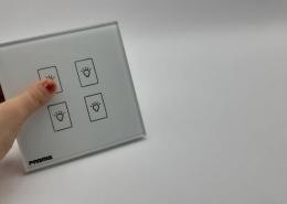 ویژگی کلید لمسی
